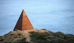Piramide Cover